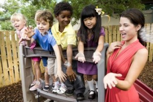 6683525-diverse-group-of-preschool-5-year-old-children-playing-in-daycare-with-teacher